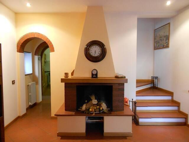 Casa Vacanze La Terrazza di Sorana - Sorana - House
