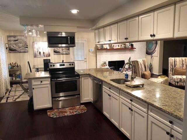 Beautiful rambler home in quite neighborhood