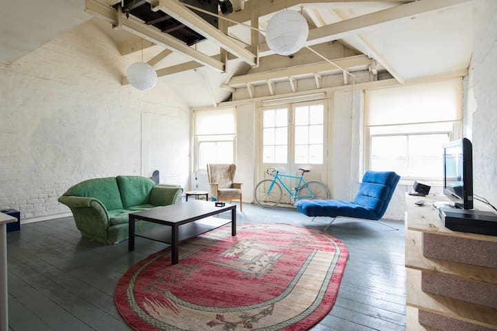 Shoreditch Warehouse Apartment With Roof Terrace - London - Apartment