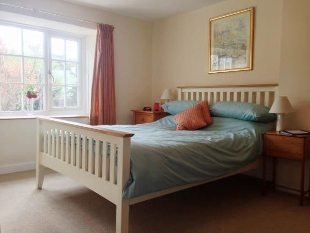 4* B&B all en-suite, parking & Wifi - Tregony - Bed & Breakfast