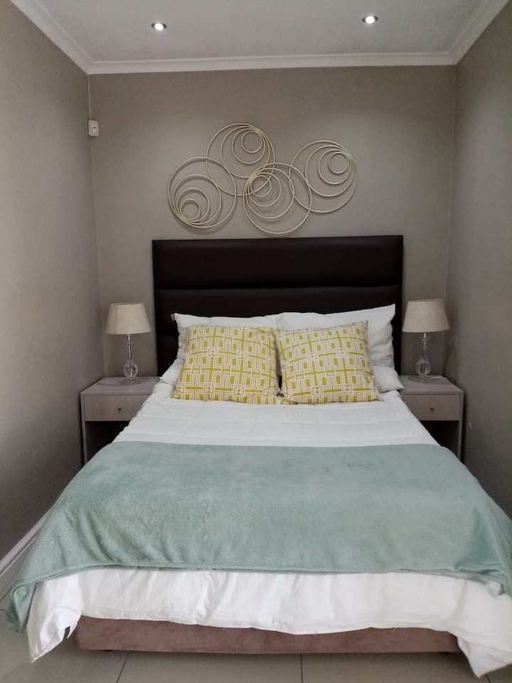Cosy attractive and peacefulself contained room