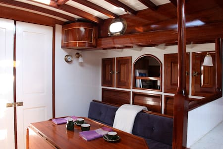 Klassieke zeilboot in Nieuwpoort - Nieuwpoort