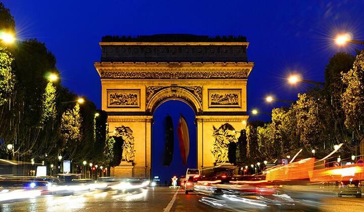 Champs-Elysées -  Arc de Triomphe - 4 people