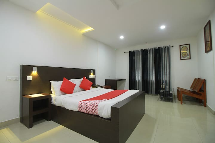 Spacious Rooms in Mavoor Road Near RP Mall