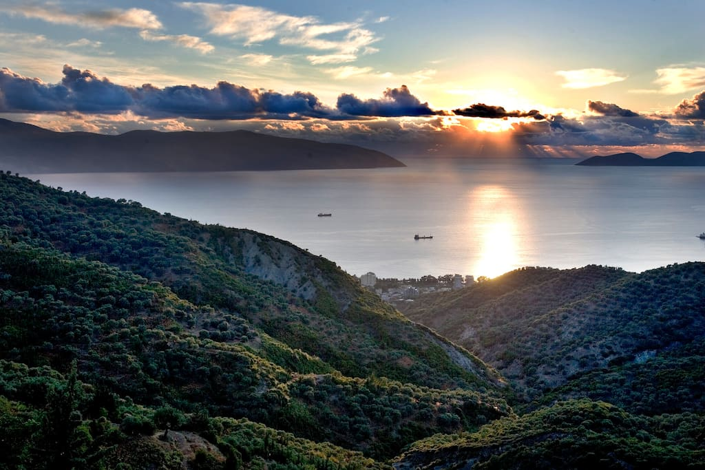 Sunset seen from Vila Amantia