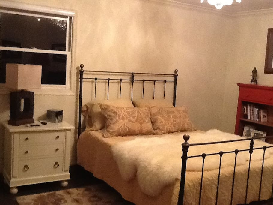 Temperpitic Queen bed. With lots of closet space.