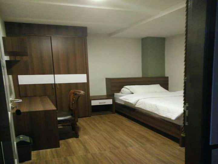 LEWI HOUSE (SINGLE SUPERIOR ROOM)