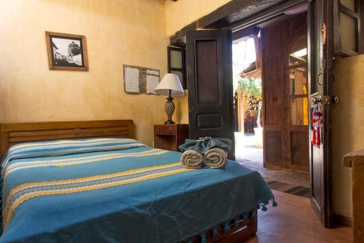 Posada del Abuelito Private Room with Bathroom 6/7