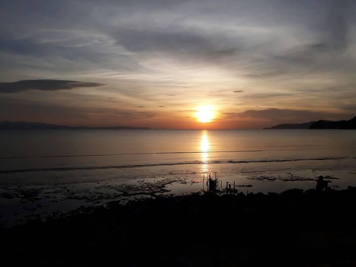 Beach Time Satun : TENT near Bang Sila Beach