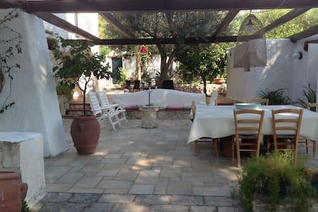 Gorgeous Mediterranean style villa  - Tarent - Villa