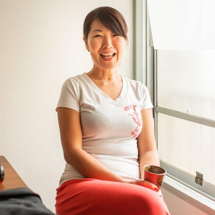 További információk Yumi házigazdáról.