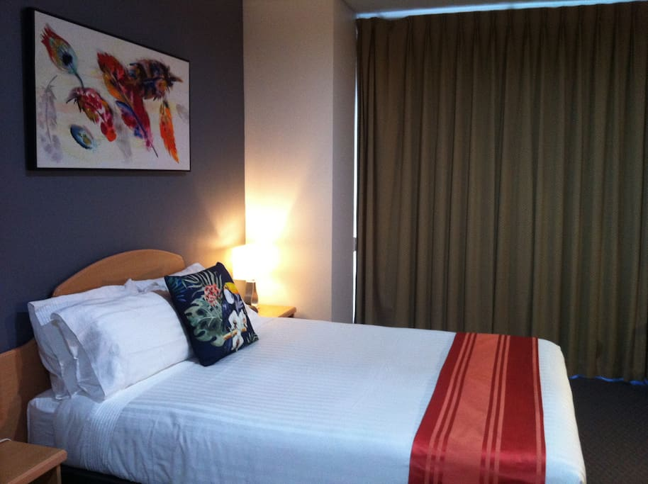 City Comfort Perth Free Internet Local Calls Hotels For Rent In Perth Western Australia