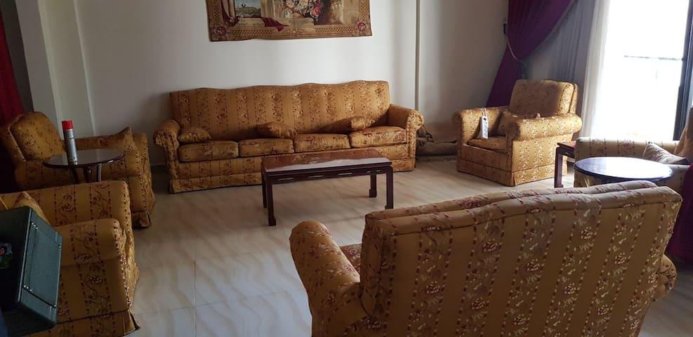 Furnished apartment in Ain el Remmaneh