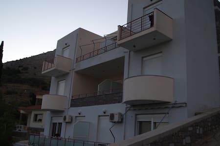 "Studios  ""NEFELI''   - Chios"