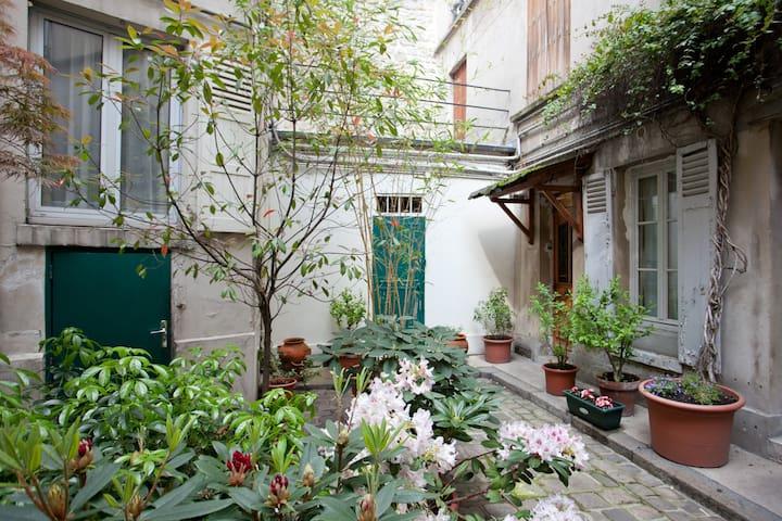 nice 2 bedrooms near rue mouffetard
