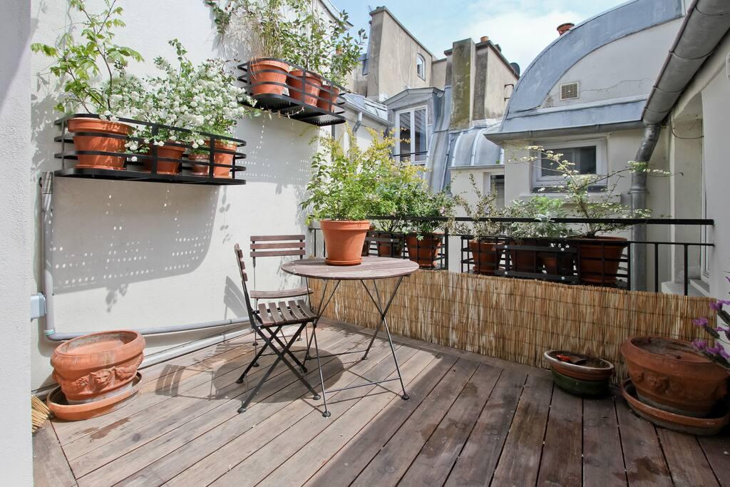 Charmant 2 pieces terrasse fleurie appartements louer for Reglement interieur immeuble