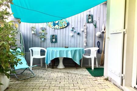 Maisonnette studio près plage, WIFI - Arcachon - House