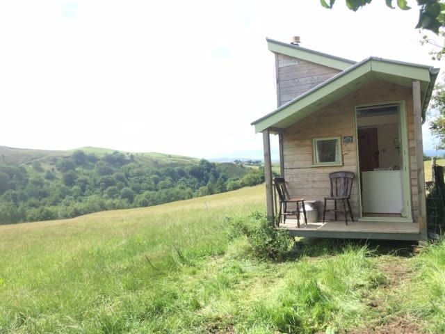 Beautiful Pennine glamping with moorland view
