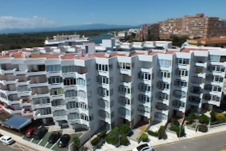 Apartment Gran Canal 323