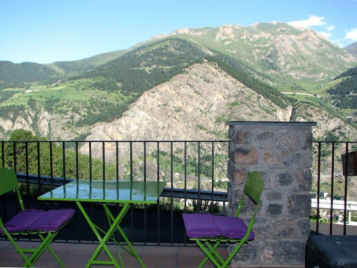 Apto vista extraordinaria y terraza