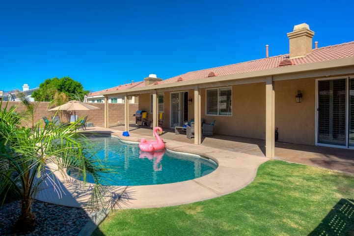 New!  Mountain Mesa Manor with Private Pool, 5 bd