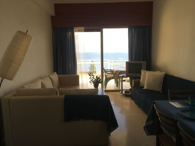 Sea view & mountain, private balcony, b&b,dbl room