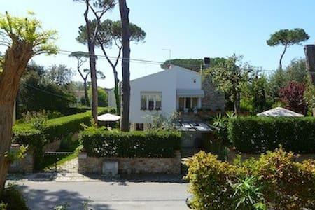 Appartamento in villa con giardino vicino al mare - Tirrenia