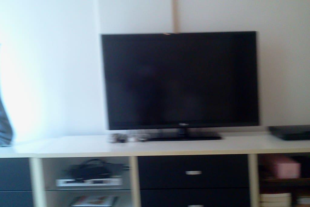Sala com Tv a cabo