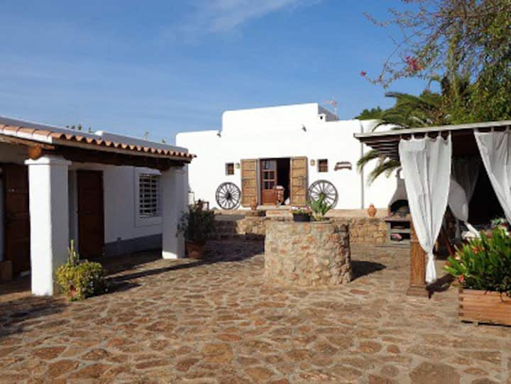 Typical villa 7 bedrooms, private pool&sport court