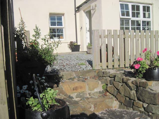 Idyllic croft house in NW Skye - Glendale