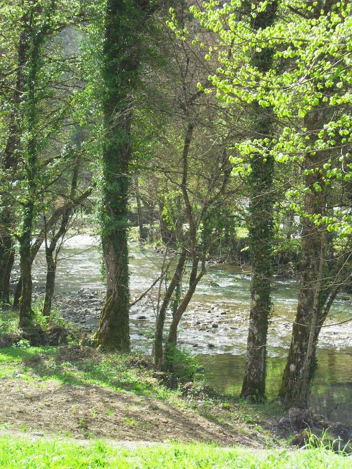 Maison de campagne en bord de rivière