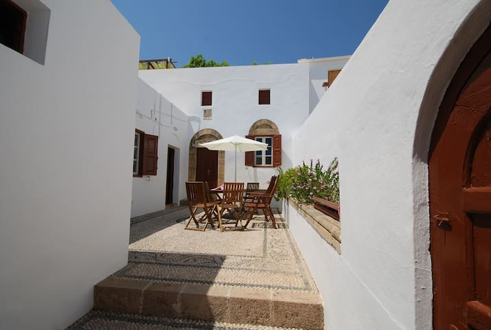 Lindos village house - Lindos - 獨棟