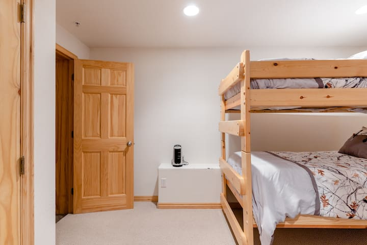 Schlafzimmer 4