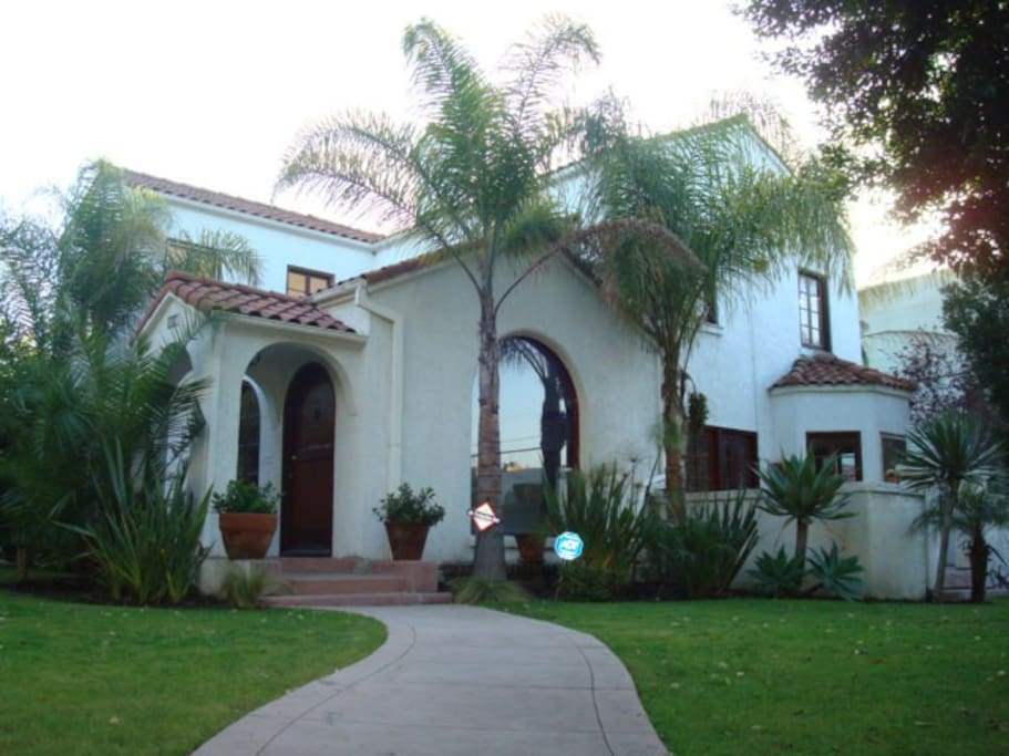 Beautiful spanish 2 story home 3 bed 3 bath houses for - 3 bedroom houses for rent in los angeles ca ...