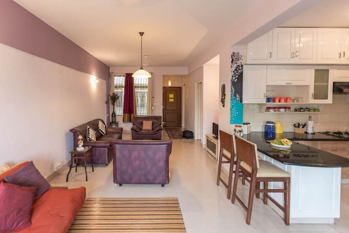 Bright and airy 2BR, Entire Flat - Bangalore