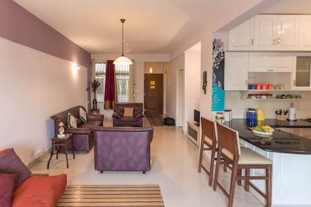 Bright and airy 2BR, Entire Flat - Bengaluru - Apartmen