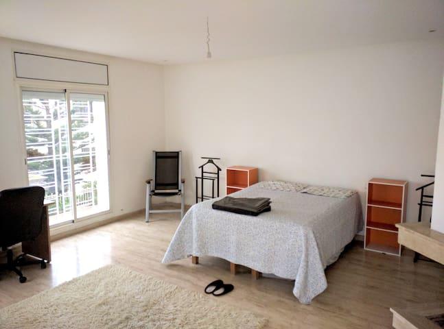 Belle chambre dans villa neuve en bord de mer