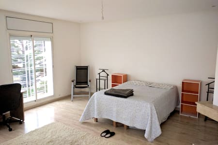 Belle chambre dans villa neuve en bord de mer - Casablanca - Villa