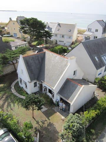 Ty Maden, charmante maison à 50 m de la plage - Saint-Pierre-Quiberon - บ้าน