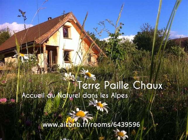 Terre Paille Chaux, Bio-Eco-Logis in French Alps - Mens