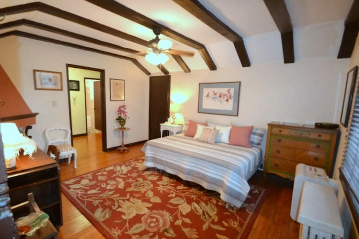 Comfortable Studio Apartment in Historic Building - Cincinnati - Apartamento