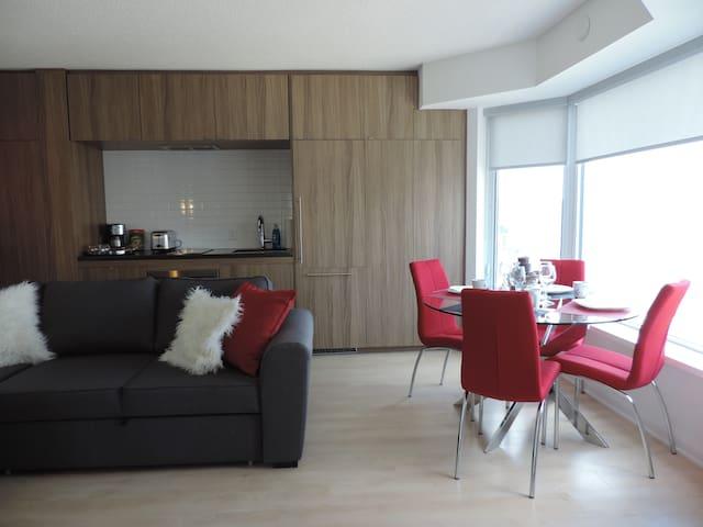 Modern Yorkville Suite