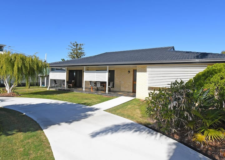 Urangan Harbour Bungalow