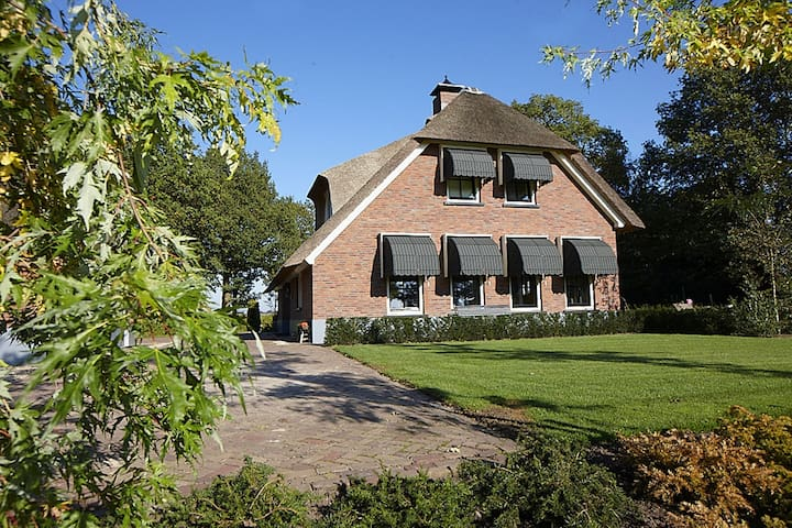 Luxurious unique holiday villa with 2-hectare private garden, infrared sauna in Twente