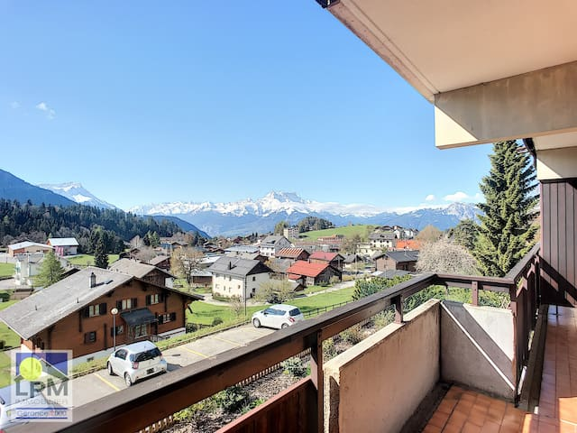 Plain apartment for max 4 people, near centre with south balcony - del6