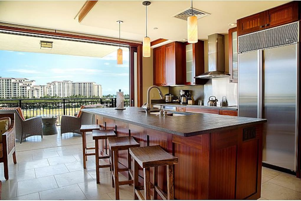 Designer kitchen by world famous Chef Roy Yamaguchi.
