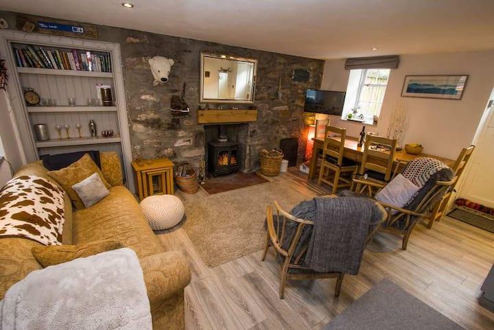 Hollyhock Cottage, Birnam Dunkeld