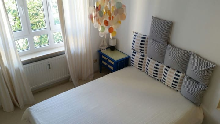 Sunny fully furnished flat (2 rooms) in Munich