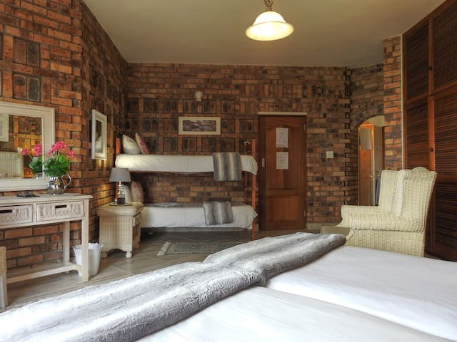 Mossel Bay Guest House Room 4
