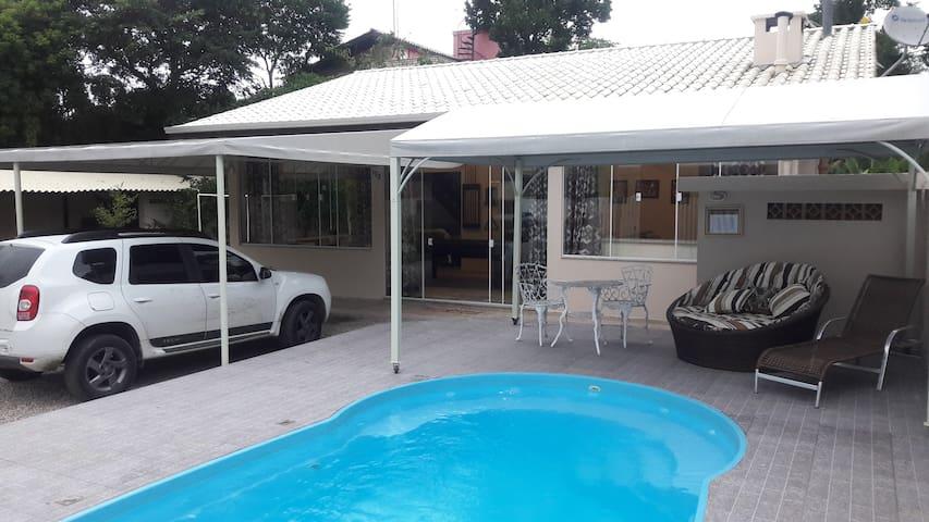 Casa em Bombinhas, Santa Catarina, Brasil